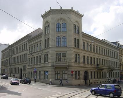 zentrale wirtschaftsbibliothek hamburg